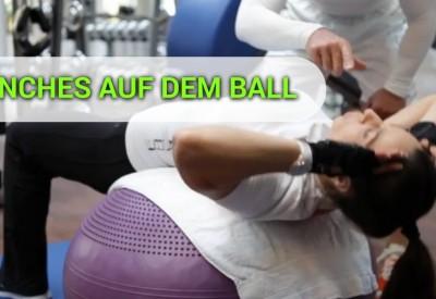 crunches-auf-dem-ball
