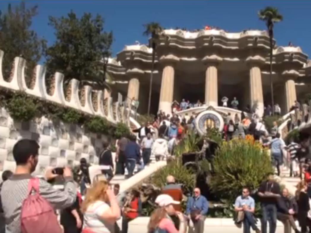Sagrada-Familia-Barcelona-Mit-Bonusfilm-Andalusien